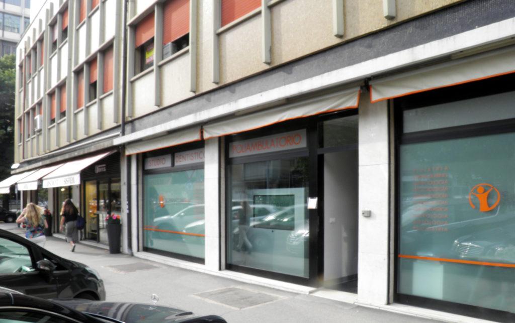 A Padova lo studio del dermatologo Floria Bertolini si trova in via Scrovegni, all'interno del poliambulatorio Scrovegni Med